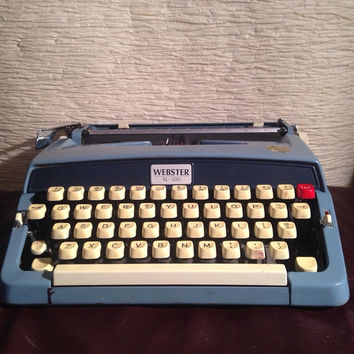 FREE SHIPPING - Great Vintage Webster XL500 - Working Typewriter
