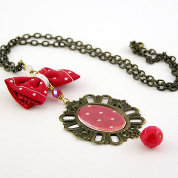 Necklace pendant medaillon vintage style repurposed by piabarile