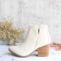 Not Rated Women's Tarim Wooden Heeled Ankle Booties - Cream