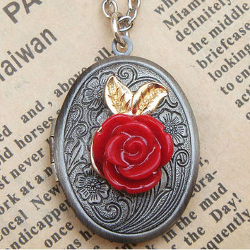 Steampunk Flower Locket Necklace Vintage Style by sallydesign