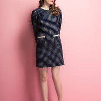 Vintage 1960s mini dress / textured houndstooth knit / cream and navy  / front pockets / size XS