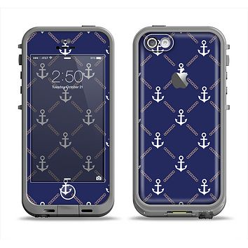 The Navy Blue & White Seamless Anchor Pattern Apple iPhone 5c LifeProof Fre Case Skin Set