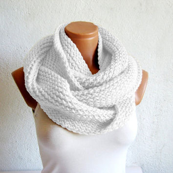 Fashion hand knitted infinity scarf Block Infinity Scarf. Loop Scarf, Circle Scarf, Neck Warmer. White Crochet Infinity