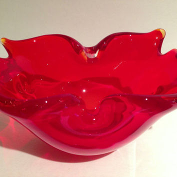 FAB Vintage Madmen Firey Red Chalet Style Art Glass Dish Unsigned
