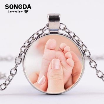 SONGDA Mom's Baby Little Angel Parent-child Necklace Cute Baby Foot Feet Photo Crystal Glass Cabochon Necklace Love Gift Jewelry