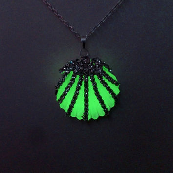 Glow in the Dark Pendant, Green Glowing  Shell Necklace, Glowing Jewelry, Gift for Her, Gift ideas
