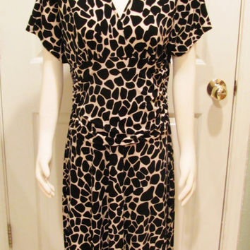 Vintage Dress Giraffe Print Dress Animal Print Dress Womens Dress Size 16 Dress Stretchy Dress Vintage Clothing Black and White Dress Modest