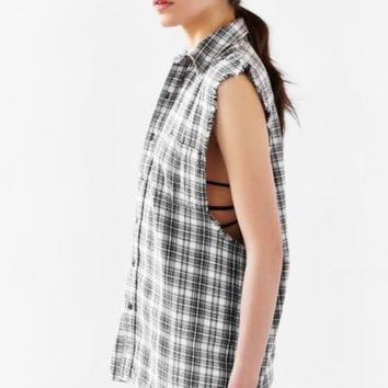 The Laundry Room Sleeveless Button-Down Shirt - Black & White One