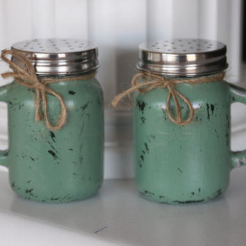 Mason Jar Salt and Pepper Shakers, Rustic Salt and Pepper Shakers, Green Kitchen Decor, Rustic Kitchen Decor, Distressed Mason Jars, Gifts