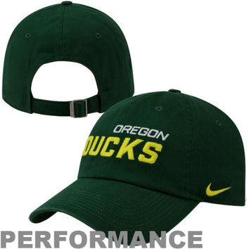 outlet store 402a5 209a0 Nike Oregon Ducks Dri-FIT Heritage 86 Campus Adjustable Performance Hat -  Green