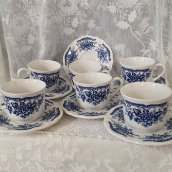 Blue and White Ironstone Teacups, Saucers, Set of Six, Blue Carnation Japan, 1960s, Chinoiserie Navy and Cream Cottage Kitchen, Dining Tea