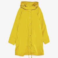 HOODED RAINCOATDETAILS