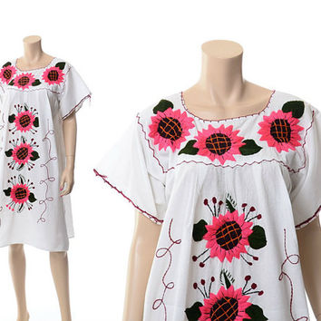 42b50ed9aa08 Vintage 70s Pink Daisy Embroidered Mexican Dress 1970s Hot Pink Flowers  Boho Floral Daisies Peasant Festival