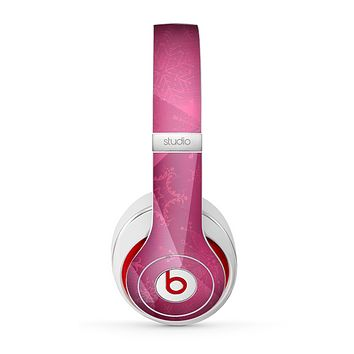 The Pink Geometric Pattern Skin for the Beats by Dre Studio (2013+ Version) Headphones