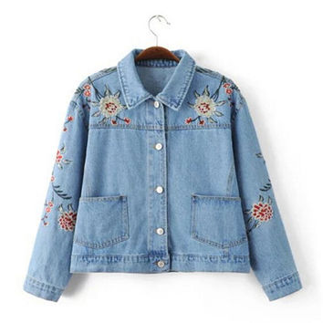 Vintage Light blue Pockets Flower Embroidery Denim Jacket   Women Buttons Short Jacket Loose Coat Femme Jean Outerwear