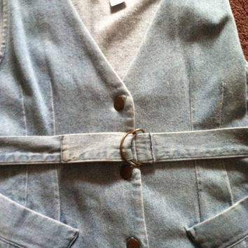 Light wash denim button up belted dress size M