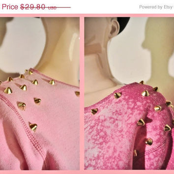 ON SALE 90s GRUNGE  Pink distressed Sweatshirt with Studs