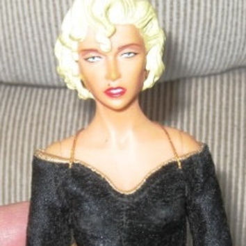 1990 Collectible Dick Tracy Breathless doll, Dick Tracy Doll Good