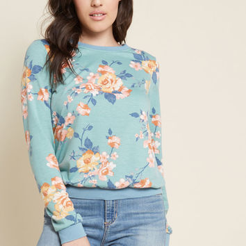 Perfect Pick-Me-Up Floral Pullover in Aqua