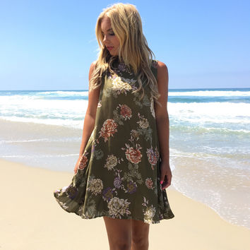 Floral Breeze Shift Dress In Olive