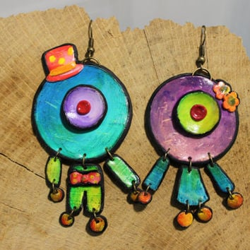 Colored fimo earrings -- Painted acrylic colors male and female one-eyed alien // Polymer clay pendant // Fimo jewelry