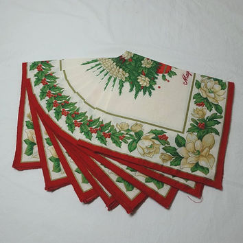 Set of 8, 1980s Vintage Christmas Dinner Napkins with Magnolia Blossoms, Red, Green, Gold, Ivory, Poly Cotton, Vintage Christmas Linens