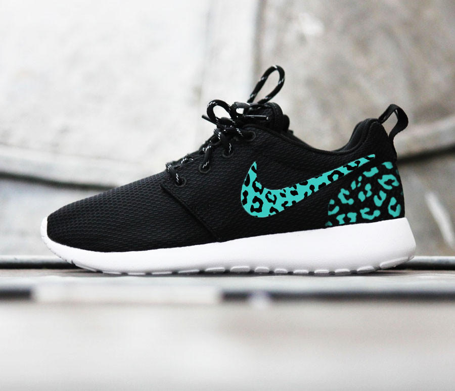 cbff5bc6d95c Custom Nike Roshe Run sneakers