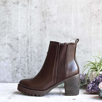 Stacked heeled bootie - brown