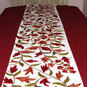 Embroidered White Red Green Table Runner/Table Decoration/Centrepiece/Table Linen/custom made tablerunner/Rust bed throws/Floral Bed Runners