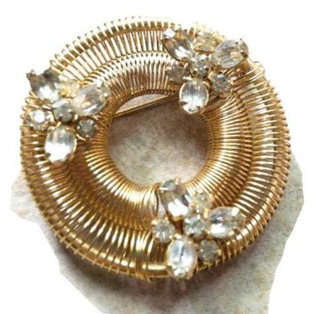 Weiss Vintage Jewelry Golden Wreath Austrian Crystal Pin Brooch