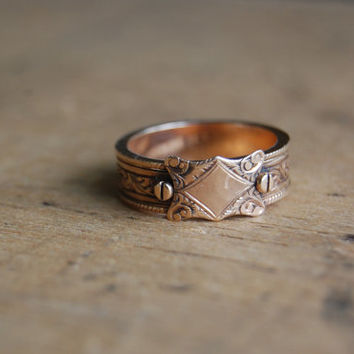 Victorian mourning ring with hidden hair panels ∙ antique mourning ring secret compartment