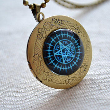Black Butler necklace,Contract Seal Kuroshitsuji Sebastian Michaelis Anime locket necklace (XL006)