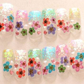 Wedding, bridal nail, floral nail, kawaii nail, pretty nail, glittery, french tips, 3D nails, Japanese nail art, nail set, made in Japan