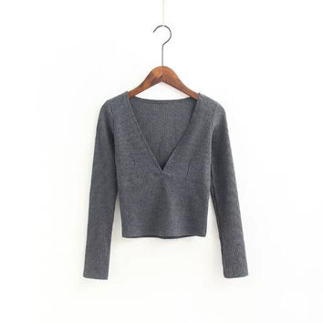 V-Neck Knit Sweater B0013900