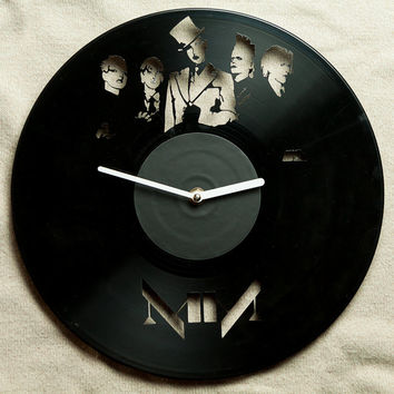 Vinyl clock Marilyn Manson -   wall clock Marilyn Manson -  vinyl decor -  Marilyn Manson art - Marilyn Manson decor