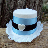Alice in Wonderland Mini Top Hat In Blue And White