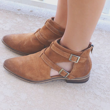 CHINESE LAUNDRY Dandie Whiskey Bootie