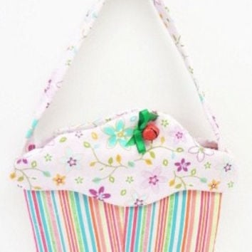 Cupcake Purse handmade goodie bag cloth gift bag flowers stripes cup99