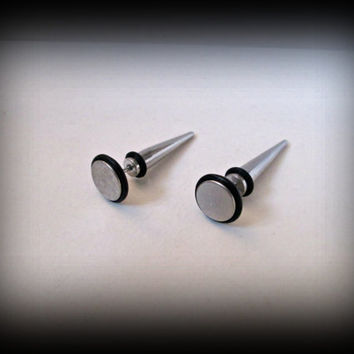 Spike earrings-faux earring-fake ear plug-fake gauges-punk earring-gothic earring-punk earring-unisex earring-1 pair
