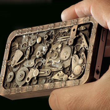 Steampunk IPhonehone case for IPhone 4 and 4S.