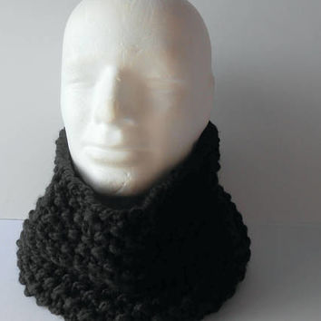 Clothing Gift. Men's Cowl Scarf.  Black Infinity Scarf. Black Winter Scarf. Handknit Chunky Cowl. Warm soft scarf. Scarf Men. Scarf Women.