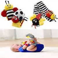 1 X Lamaze Baby Socks Toys Wrist Rattles and Foot Finders Set 4pc New Style