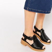 Truffle Collection Lizzy Weave Flat Sandals