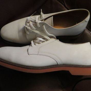 RETRO   Cole Haan USA Preppy White Suede  Buck Red Rubber Sole Oxfords      Size 7 D UNISEX
