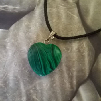 Malachite Heart Pendant Necklace Modern Taurus Birthstone Green Natural crystal Gemstone necklace raw Polished gems stone bead charm