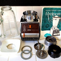 Sunbeam 8 Speed Blender with Recipe Book and Dual Gaskets 1960's