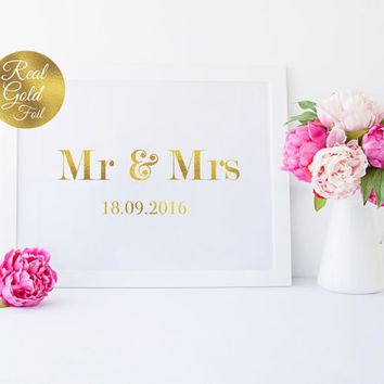 Mr and Mrs Sign Print, Real Gold Foil Print, Wedding Signs, Wedding Decoration, Wedding Print, Wedding Wall Decor, Gold Foil Sign,Love Print