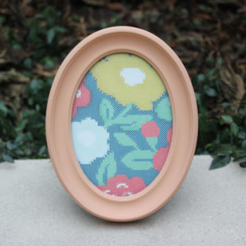 Peach painted 5 x 7 oval picture frame