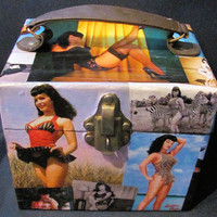 Bettie Betty Page theme vintage case for makeup or jewelry with mirror travel bag
