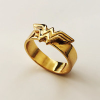 Wonder Woman ring - Comic Geek gift
